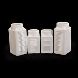 Plastic Ribbed Tablet Containers