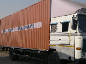 34 Foot Container Trucks Service