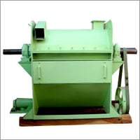 Gum Dehusking Machine