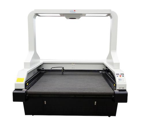 Dye Sublimated Printed Flag Laser Cutting Machine