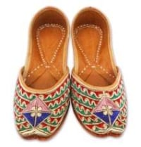 Golden Embroidered Female Jutti