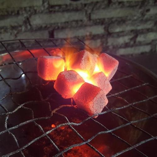 Hardwood Charcoal Briquette Hexagonal