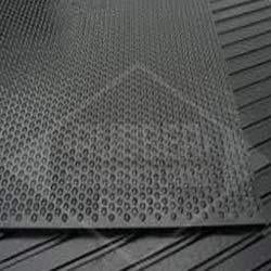 Stable Mat With Stud Design