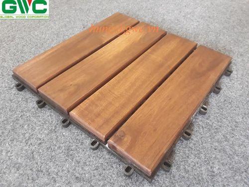 Brown 4-Slat Floor Tiles
