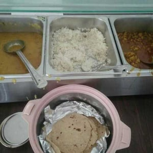 Lunch Packs And Tiffin Service