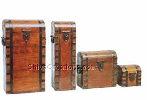 Wooden wine boxes & small boxes(s/4)