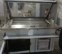 Smooth Surface Finish Sandwich Counter