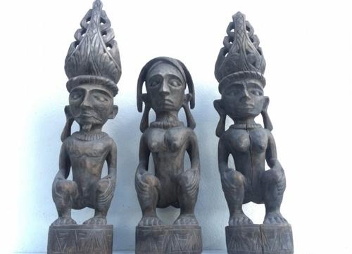Three Naked Nias Warrior Panglima Statue