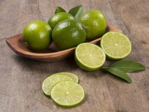 Fresh Seedless Round Lime Lemon