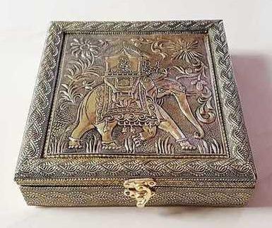 Handicraft Dry Fruit Box For Gift