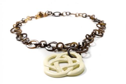 Unique Design Horn Necklace