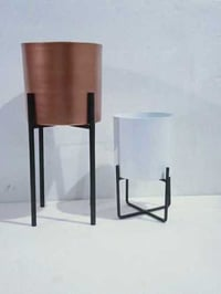 Metal Flower Pot With Stand