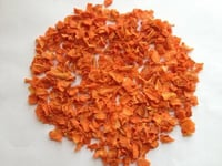 Naturally Dehydrated Carrot Flakes