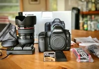 Canon Eos 5d Mark Iii With Ef 24-105mm With F/4l Is Ii Usm Lens And Media