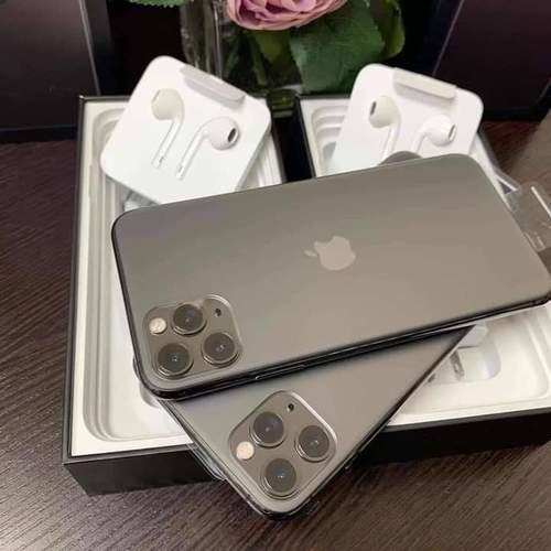 Brand New iPhone 11 (Apple)