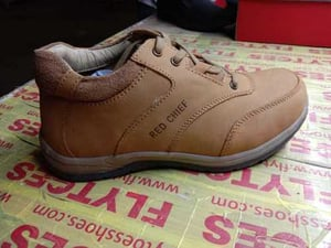 Branded Men's Shoes with High Strength