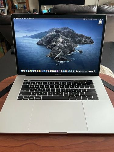 Apple Macbook Pro 15 Touch Bar I7 Six-Core
