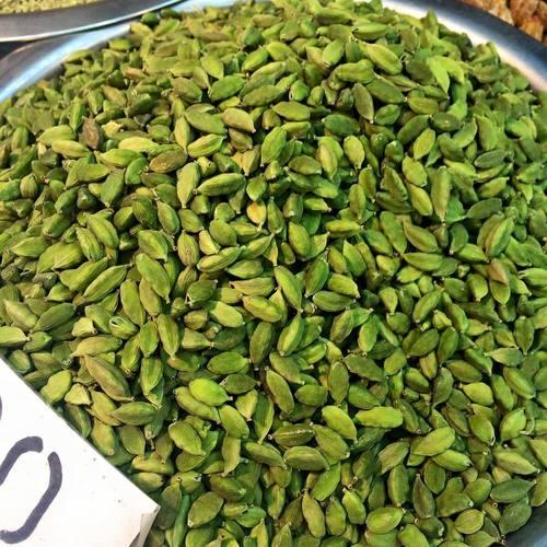 Green Color Dried Cardamom