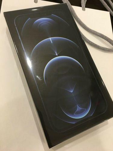 Brand New Iphone 12 (Apple)
