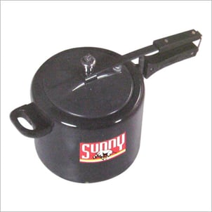 HARD ANODIZED PRESSURE COOKER