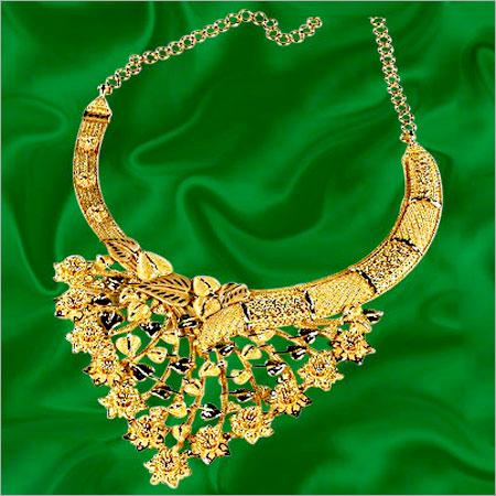 Gold Bridal Necklace In Chowrangi Road Kolkata West Bengal India P C Chandra Jewellers Pvt Ltd