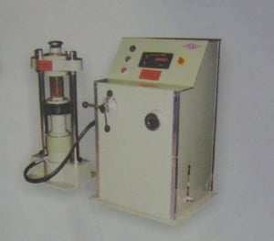 COMPRESSION TESTING MACHINE WITH 500KN CAPACITY