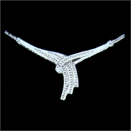 Mesmerizing Design Silver Necklace Gender: Women