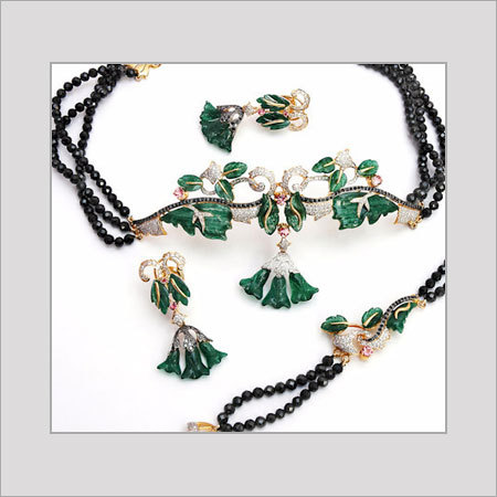 Designer Necklaces For Womens Size: Various Sizes Are Available