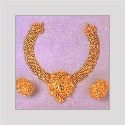 Varios Colors Are Available Antique Gold Necklace Set