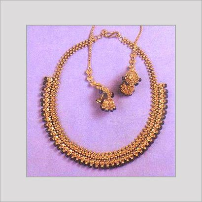 Varios Colors Are Available Womens Gold Designer Necklace