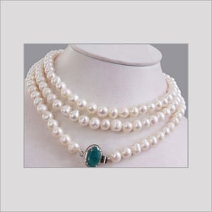Pearl Necklace With Silver Emerald Clasp