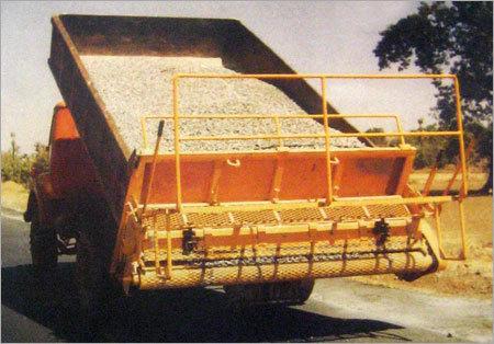 Tailboard Chip Spreader