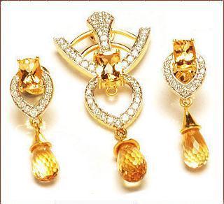 Yellow Diamond Studded Gold Pendant Set