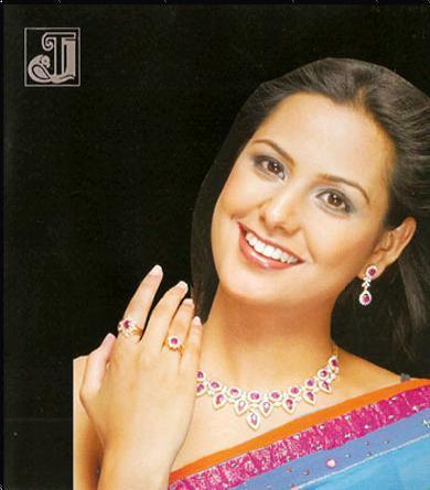 Diamond Studded Ring For Women Good