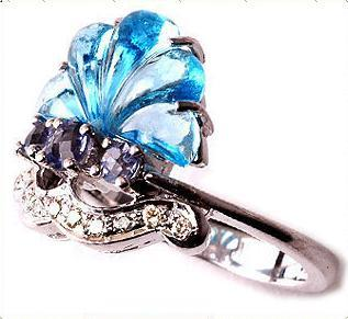 Ladies Designer Diamond Ring Good
