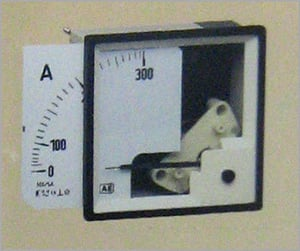 MOVING IRON / MOVING COIL METER