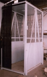 NON FLAME PROOF GOODS LIFT