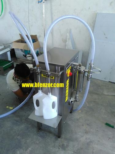 Semi Automatic Free Flowing Liquid Filing Machine