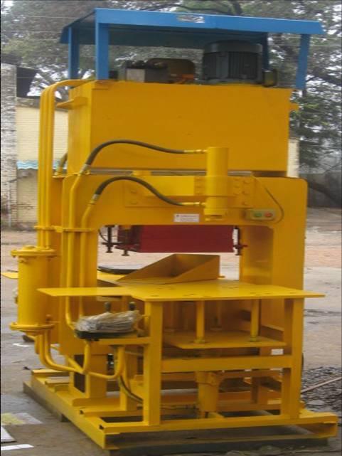 Tara Concrete Paver Machine