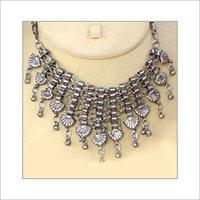 Elegant Look Acrylic Necklace