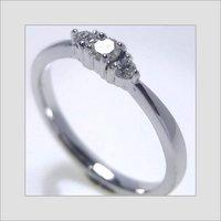 Ladies Three Stone Ring