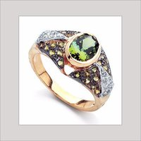 GEMSTONE STUDDED GOLD RING