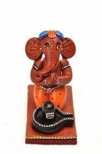 Praying Ganesha