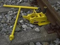 Mechanical Track Jack