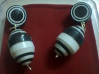 Trendy Black And White Fusion Earring For Women