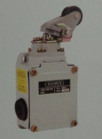 GL Series Limit Switches 10A 500 AC (Angular Roller On Lever)