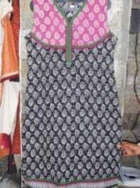 Discharge Dhabu with Black N White Print Kurta