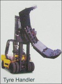 Tyre Handler (Fork Lift)