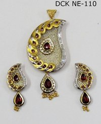 Gold pendant set in kolkata west bengal manufacturers suppliers designer gold pendant set in kolkata aloadofball Image collections