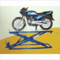 Two Wheeler Scissor Ramp